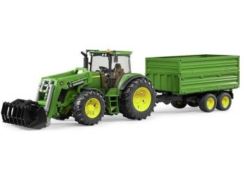 Bruder traktor s prikolico John Deere 03055