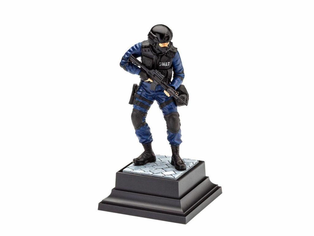 revell-maketa-02805_swat_officer-2
