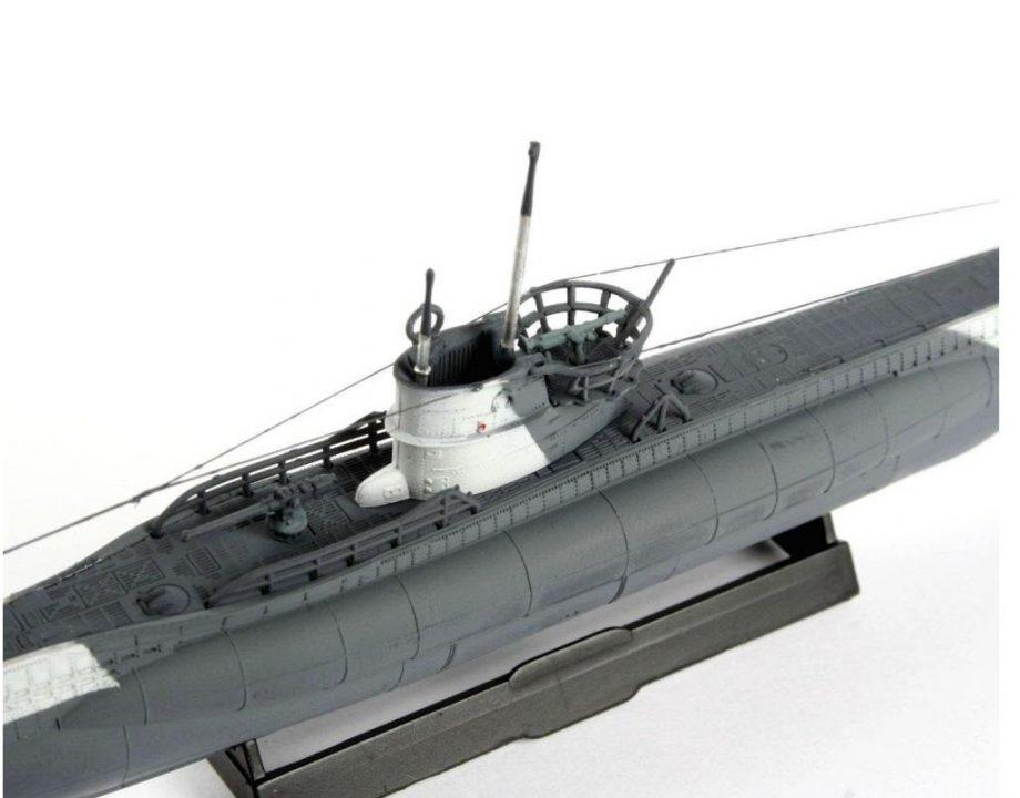 Revell maketa German Submarine TYPE VII C 05093 4
