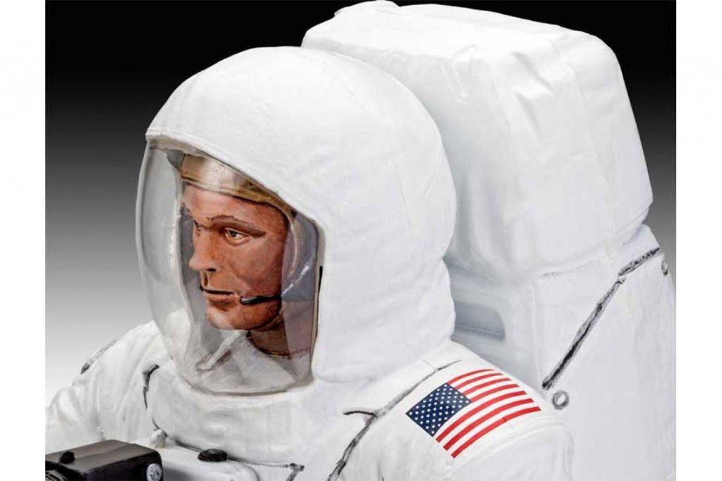 Revell model astronavta Apollo 11 Astronaut on the Moon (50 Years Moon Landing) 03702 3