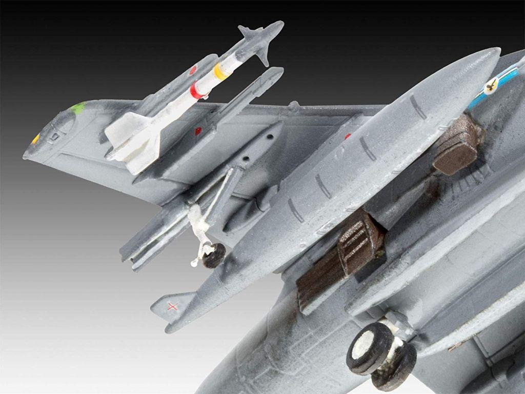 Revell maketa letala BAe Harrier Gr.7 – 015 038872