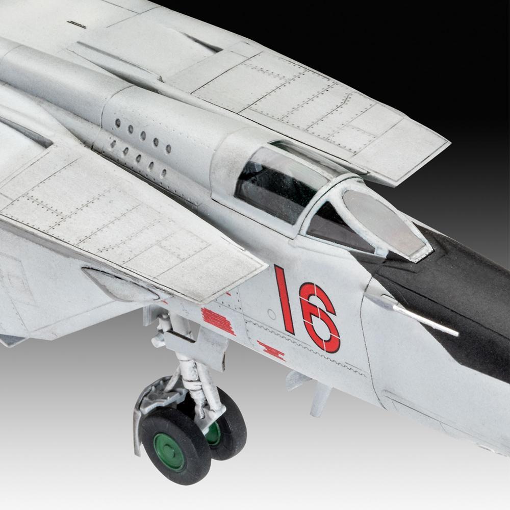 Revell maketa letala MiG-25 RBT – 165 038782