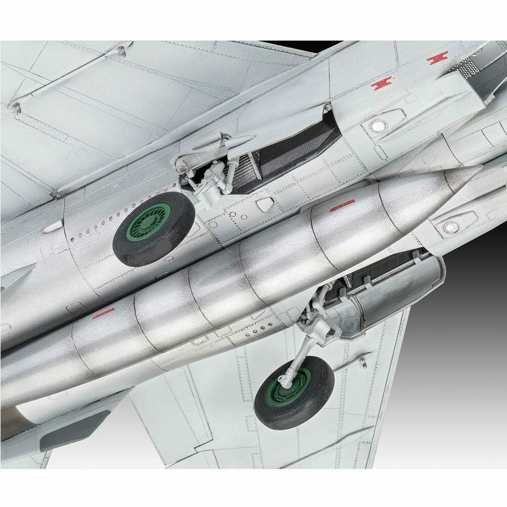 Revell maketa letala MiG-25 RBT – 165 038784
