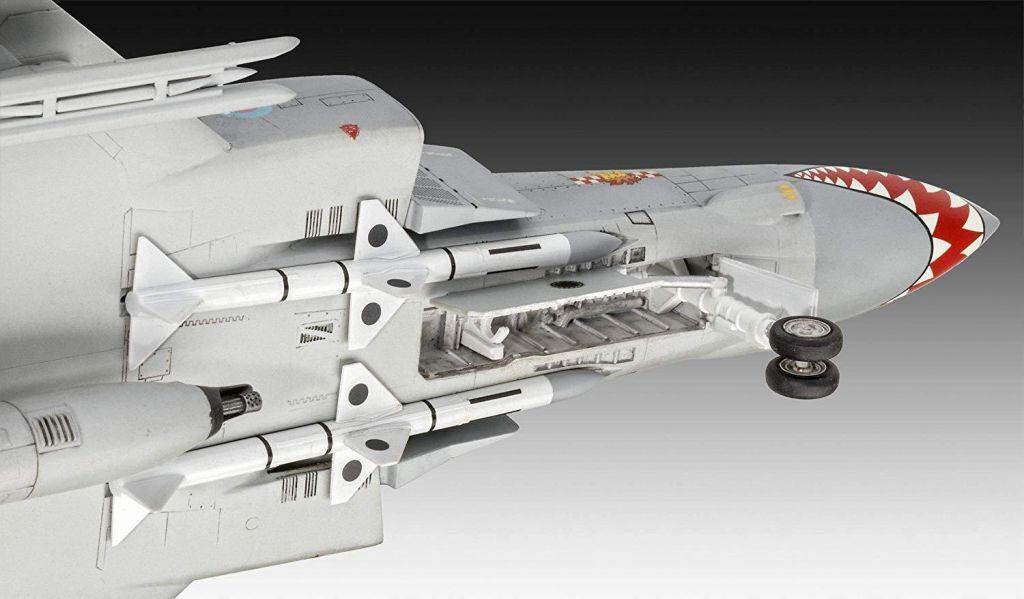 Revell maketa letala Phantom FGR Mk.2 04962 3