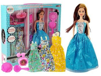 Igrača set punčka z oblekami