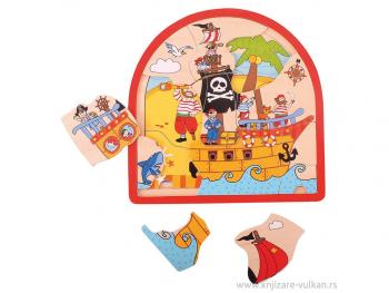 Lesena polkrožna sestavljanka v nivojih Pirati